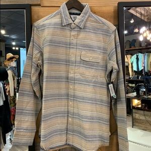 Harbor mouth woven button up